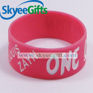 Wholesale Silicon Wristband Debossed for Promotion pictures & photos
