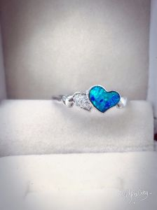 925 Silver Heart Cut Opal Ring pictures & photos