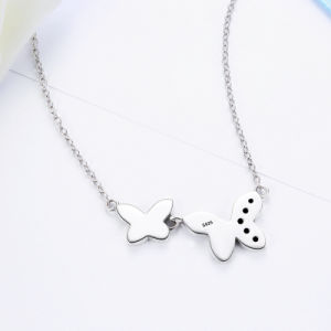 925 Sterling Silver Ribbons of Love, Clear CZ Pendants Necklace for Women Jewelry pictures & photos