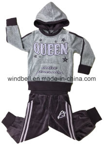 Velvet Hoody Suit for Baby with Hot Drilling pictures & photos