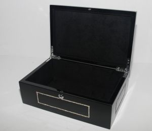 Black High Glossy Wooden Box pictures & photos