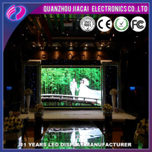 Light Weight 4mm Full Color TV Play Flexible LED Indoor Screen pictures & photos