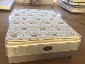 Compressed Tight Spring Mattress pictures & photos