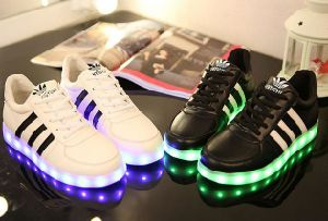 Latest Student Flash Light LED Shoes Luminous LED Shoes (FF326-8) pictures & photos