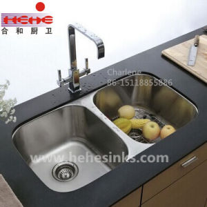 Similar-Size Double Bowl Stainless Steel Kitchen Sink (7447) pictures & photos
