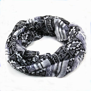 Geometrical Shape Print Designs Cotton Voile Woman Scarf pictures & photos