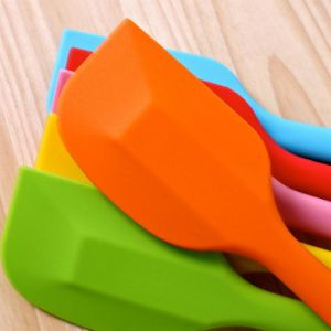 Atoxic Kitchenware Full Silicone Smooth Scraper / Spatula pictures & photos
