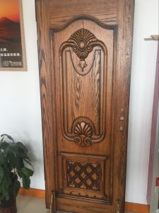 Solid Wooden Door pictures & photos