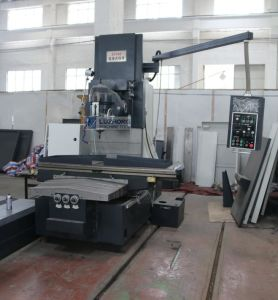 Heavy Duty Bed Type Vertical Milling Machine X716 pictures & photos