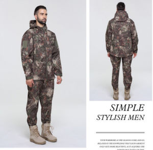 Custom Autumn Winter Thicken Soft Windproof Uniform Army Camouflage Men′s Suit Jacket pictures & photos