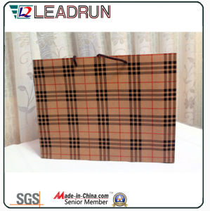 Kraft Print Paper Bag Shopping Gift Art Paper Carrier Cosmetic Jewelry Packing Bag for Tie Bow Tie Trousers Coat Bedding Article Bed Sheet (E018) pictures & photos