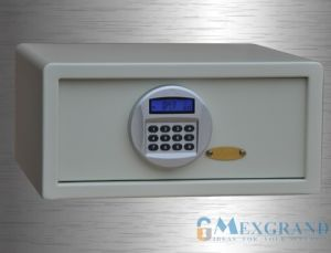 Electronic LCD Hotel Safe for Laptop (EMG250C-4R) pictures & photos