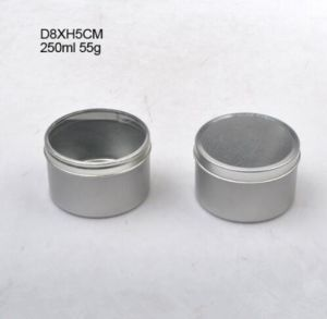 Round Tin Metal Candle Holder/Candle Jar/Candle Box pictures & photos