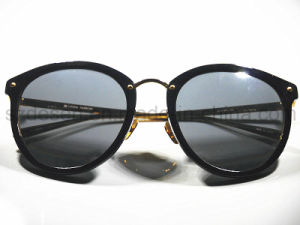Stocked Sales Promotion Fashionable Sunglasses pictures & photos