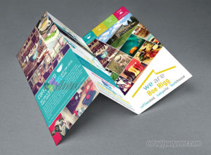 Custom Made Folded Booklet/Brochure Full Color Printing Advertising Paper pictures & photos