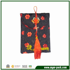 Special Design Patterned Black Velvet Jewelry Bag with Chinese Knot pictures & photos