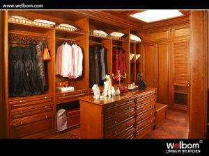 2015 Welbom Hot Sale Luxury Sharker Door Wood Wardrobe pictures & photos