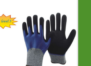 Black Latex Coated Cut Resistant Working Gloves pictures & photos