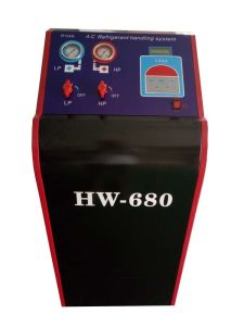 Hw-680 Car Air Conditioner Refrigerant Recovery Machine pictures & photos