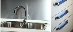 UV MDF Modern Kitchen Cabinet (ZX-013) pictures & photos