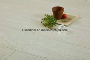 Synchronized Oak 2 Laminated Flooring pictures & photos