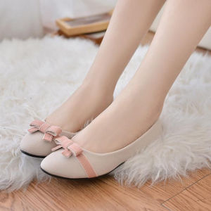 Round Single Shoes Female Suede Butterfly Knot Shallow Flat Casual Women Shoes pictures & photos
