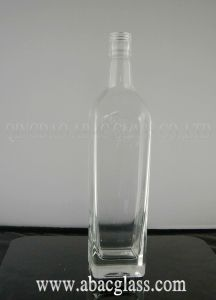 Vodka/Rum Triangle Bottle (750ml) pictures & photos