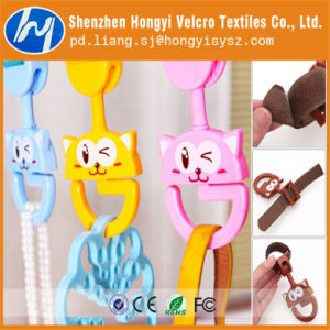 Eco-Friendly and Reusable Hanging Hooks Velcro pictures & photos