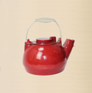 OEM Production Cast Iron Teapot with Enamel Finishing pictures & photos