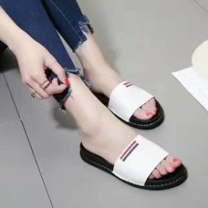 Women Shoes Flat Leather Shoe Rubber Bottom pictures & photos