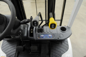 Nissann Toyota Mitsubishi Isuzu Engine Forklift in Good Condition pictures & photos