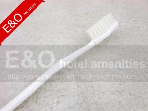 Disposable Cheap Hotel Toothbrush and Toothpaste Dental Set pictures & photos
