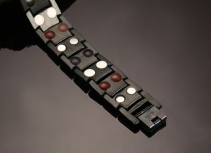 Newest Fashion Wholesale Black Gun Magnetic Steel Bracelet pictures & photos