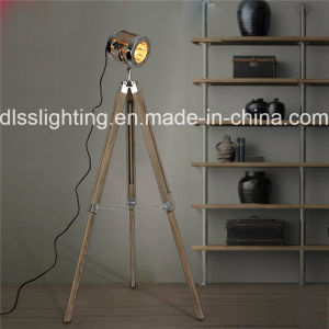 Vintage Wood&Steel Spotlight Shape Tripod Standing Floor Lamp for Interior Decoration pictures & photos