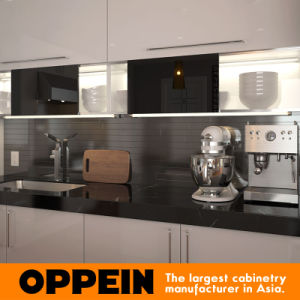 Oppein Manufacturer White L Shaped Lacquer Wood Kitchen Cabinets (OP15-L24) pictures & photos