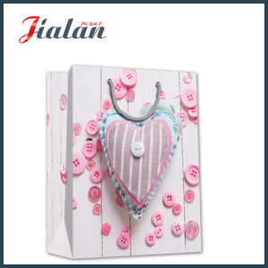 Love Heart Printed Gift Packing Shopping Carrier Gift Paper Bag pictures & photos