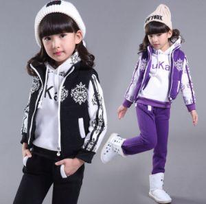 2015 Winter Garment Children Sports Set /Girls Clothing Sets pictures & photos
