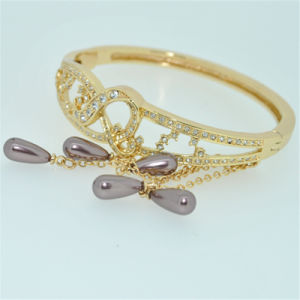 Newest 18k Gold Plated Fashion Jewelry for Bangle (B140003)