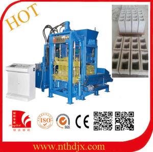 Automatic Hydraulic Press Soil Cement Brick Machine (QT3-15) pictures & photos