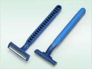 Triple Blade Disposable Razor (KD-3006L) pictures & photos