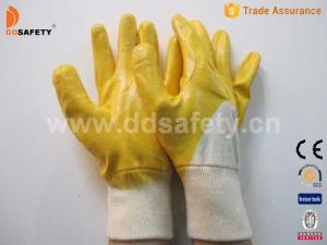 Ddsafety 2017 Ce Yellow Nitrile Coated Work Gloves pictures & photos