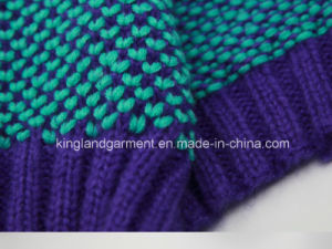Acrylic Winter Fashion Trendy Warm Contrast Color Knitted Scarf pictures & photos