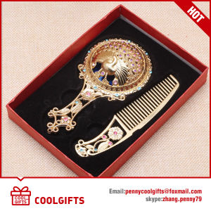 Wedding Gift Metal Hollowed out Handle Pocket Mirror&Comb Set pictures & photos