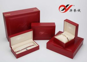 Red Wooden Jewelry Box Set for Ring, Pendant and Bangle pictures & photos