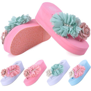 Female Fashion Summer Chunky High-Heeled Sandals Resort New Korean Muffin All-Match Beach Slippers Flowers pictures & photos