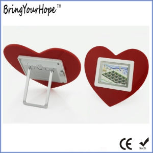 2.4 Inch Heart Shape Mini Digital Photo Frame (XH-DPF-024C) pictures & photos