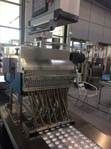 Alibaba Website Packaging Machine Tablets Blister Packing Machine pictures & photos