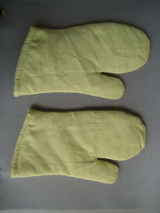 Aramid Heat Resistance Oven Work Glove-2320 pictures & photos