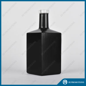 700ml Black Glass Bottle for Whisky (HJ-GYSN-A04(B)) pictures & photos