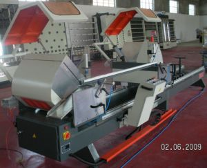 CNC Double-Head Precision Cutting Saw for Aluminum Profile pictures & photos